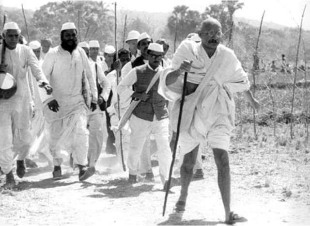 Gandhi and Droozya´s Peaceful Salt March Against the British Imperialists in Indian, March 1930